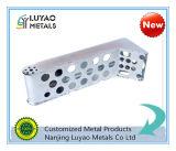 Estampados de chapa de alumínio personalizados / estampagem a quente