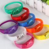 Nuovo braccialetto di modo Oed/ODM LED di promozione per il partito e la notte scura