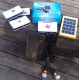 O sistema dos jogos da iluminação do diodo emissor de luz da potência solar com cada peças produziu em nossa fábrica