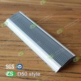Escalera de aluminio abrasiva del perfil de la protuberancia que olfatea con la tira de goma