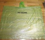 Wegwerf-PET Regen-Poncho-Grün-moderner Großverkauf