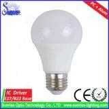 PC + luz de bulbo de alumínio do diodo emissor de luz da carcaça E27/B22 A19/A60 15W