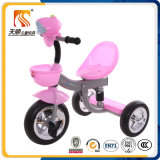 음악으로 번쩍이는 밝은 분홍색 아기 세발자전거로