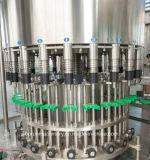 플라스틱에 의하여 병에 넣어지는 순수한 물/맛을 낸 충전물 병에 넣는 기계장치