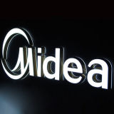 A forma que feito-à-medida o metal acrílico do diodo emissor de luz se ilumina rotula acima o sinal