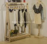 Hölzerner Ausstellungsstand kleidet Kleid-Zahnstange für Bildschirmanzeige