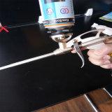 銃のタイプポリウレタン接着剤を修理する穴