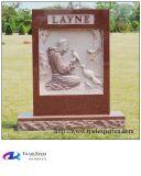 Elaborazione manuale della scultura di angelo della figura del granito che intaglia monumento