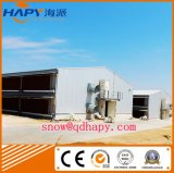Camera della struttura d'acciaio con la strumentazione automatica dell'insieme completo in bestiame