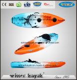 最もよい価格は上の単一の小さいプラスチックボートのカヤックで置かれる