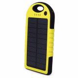 이동할 수 있는 태양 충전기 포켓 힘 은행 방수와 방진 충격 증거 OEM 모형