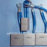 Procurarando escovas de carbono pela locomotiva da indústria (CG665)