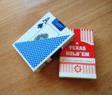Техас держит их красный цвет и голубые играя карточки