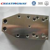 部品を回す精密CNCの機械化の部品