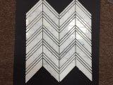Azulejo de suelo mezclado Chevron grande de mármol blanco del diseño de Carrara pequeño Chevron