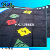 Nuovo disegno della pavimentazione di gomma per il campo da giuoco