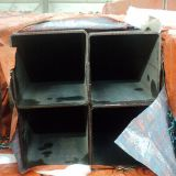 Tubo de acero negro