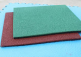 Напольный пол патио сделанный циновкой резины Резины Зерна