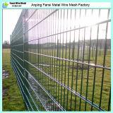 カーブの/3Dによって囲うこと電流を通されるPVCによって塗られる溶接された金網の塀