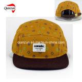 Druck-Veloursleder bedeckt den 5 Panel-Hut mit einer Kappe