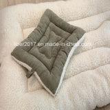 暖かいプラシ天のCustomzied犬のマットのマットレスのベッド犬のマットの大きいフロアーリングOEM