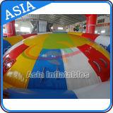 Nuovo giocattolo gonfiabile caldo dell'acqua della barca della discoteca, barca gonfiabile della discoteca del grado commerciale