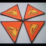 Emblema Tecido de Overlocking de Qualidade de Damasco de Forma de Triângulo