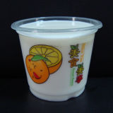 Taza plástica para la bebida de consumición fría