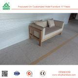 O frame + o alto densidade da madeira contínua estofam o sofá dois Seater