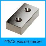 強いブロックのネオジム2のさら穴を開けられた磁石のドアクローザー