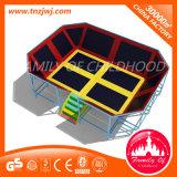 con la base di salto del trampolino del gioco del trampolino della base di rimbalzo per il capretto