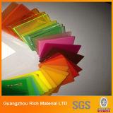Il colore ha lanciato lo strato acrilico per la pubblicità/strato di plastica del perspex PMMA per i contrassegni