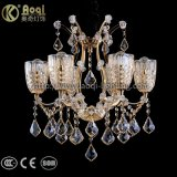 Света канделябра золотистого утюга кристаллический