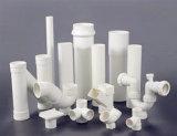 Peças de PVC branco e peças de acessórios