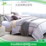柔らかいサテンは大学のための寝具セットをキルトにした