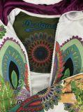 編まれたフードのライニングを持つ女性のための多彩なHoody