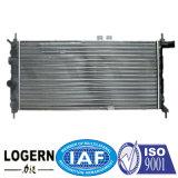 Un radiatore di alluminio delle 1302077 automobili per Opel Kadett E'84-91 Mt