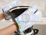 Anti-Rayer les silicones de cuisine faisant cuire le gant avec la longueur courte Sg23