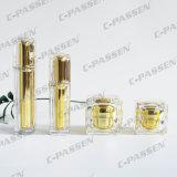 Bottiglie e vasi di cristallo della crema di serie dell'oro acrilico per l'imballaggio dell'estetica (PPC-NEW-008)