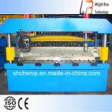 機械を形作る鋼鉄タイル