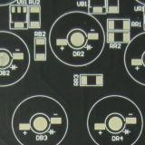 El PWB del aluminio con el avellanador agujerea la tarjeta de circuitos impresos del LED