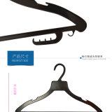 Uso plástico barato de encargo de las perchas de ropa para los departamentos del lavadero de la marca de fábrica