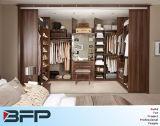 Projetos modernos do Wardrobe para o quarto