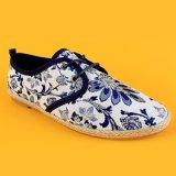 Dame-Lace-up Blumen-Drucken-Grün-Segeltuch-flache Espadrille-Schuhe