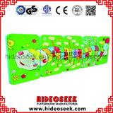 幼虫様式の子供のための木の演劇の壁のボード