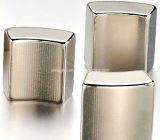 Block-Form und Neodym-Magnet