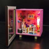 Mini casa de boneca de madeira bonito de DIY com brinquedos leves