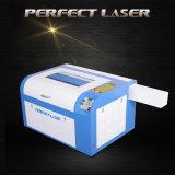 Pequeña cortadora del grabado del laser de la mesa del sello de goma