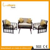 屋外の家具の庭のテラスの藤か枝編み細工品のソファーはアルミニウムフレームとセットした