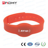IP68 programmierbares passives justierbares RFID Silikonwristband-Armband